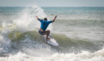 ページ銀メダル 2018 ISA World Surfing Games