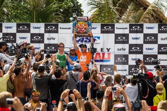 パーコ Win Oakley Pro Bali 2013